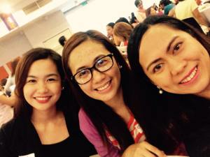 My beautiful seatmates Che Catabay and Joyce Mandigma
